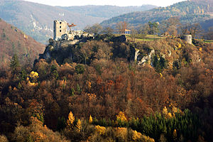 Neideck Castle - Image: Burgruine Neideck 05112008