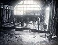 COLLECTIE TROPENMUSEUM Het wassen van erts op de Singkep Tin Maatschappij TMnr 60055717.jpg