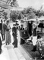 COLLECTIE TROPENMUSEUM Vertrek van Pangeran Adipati Ario Praboe Soerjodilogo na de installatie van Pakoe Alam VIII op 12 april 1937 TMnr 10001568.jpg