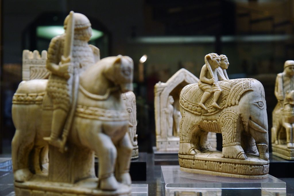 https://upload.wikimedia.org/wikipedia/commons/thumb/d/da/Cabinet_des_m%C3%A9dailles%2C_Paris_-_Charlemagne_Chessmen_-_Knight_and_Elephant.jpg/1024px-Cabinet_des_m%C3%A9dailles%2C_Paris_-_Charlemagne_Chessmen_-_Knight_and_Elephant.jpg