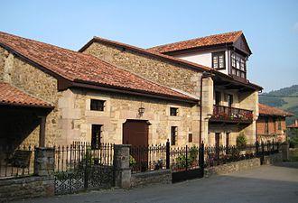 Cabuérniga - Typical house in Cabuérniga.