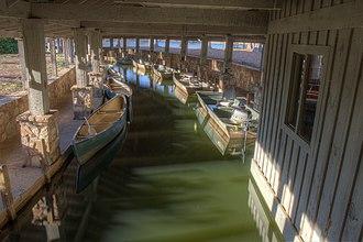 Callaway Gardens - Image: Callaway boathouse 1