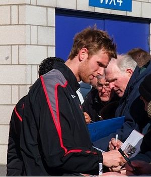 Calum Davenport - Davenport signing autographs while on loan to Sunderland in 2009