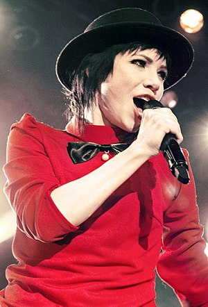 Carly Rae Jepsen - Jepsen performing in 2016