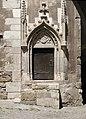 Castelul Corvinilor - usa suspendata.jpg