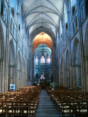 Saint-Pol-de-Léon Cathedral - The nave looking towards the apse