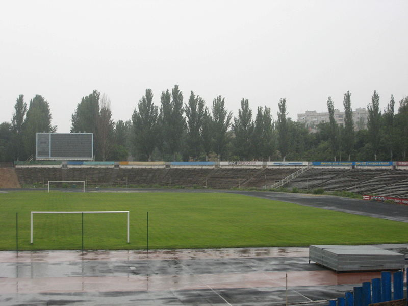 http://upload.wikimedia.org/wikipedia/commons/thumb/d/da/Central_City_Stadium%2C_Mykolaiv_%E2%80%94_2.jpg/800px-Central_City_Stadium%2C_Mykolaiv_%E2%80%94_2.jpg
