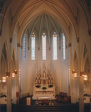 Church of All Saints (Keokuk, Iowa) - Interior of the church showing the marble carved altar by Joseph Conradi
