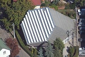 Újbuda - Image: Civertankelenfold ferde reformatus templom