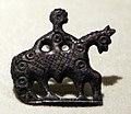 Cividale, piazza paolo diacono, fibula a forma di cavaliere a cavallo in beonzo, vi secolo.jpg