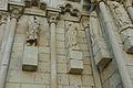 Collégiale de Candes Saint-Martin statues de saints du porche.jpg