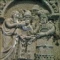 Collectie Nationaal Museum van Wereldculturen TM-20029799 Reliefs op graven op de oude Joodse begraafplaats Beth Haim Curacao Boy Lawson (Fotograaf).jpg