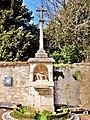 Croix de calvaire, rue du château.jpg