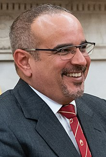 Crown Prince of Bahrain (48749189818) (cropped).jpg