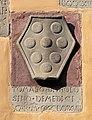 Cutigliano, palazzo dei capitani della montagna, stemmi 16 medici 1488.jpg