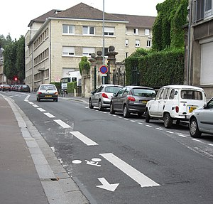 Contraflow lane - Bicycle contraflow lane in Caen, France