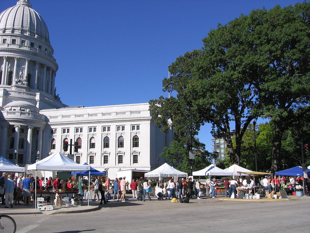 Dane county farmers market.JPG