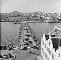 De Emmabrug in Willemstad, Curaçao, met zicht op Otrobanda, Bestanddeelnr 252-3106.jpg