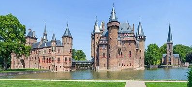 De Haar Castle South in the Netherlands.jpg