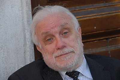 Luciano De Crescenzo, Italian writer