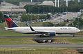 Delta Air Lines Boeing 767-332ER; N169DZ@CDG;10.07.2011 605en (5939256755).jpg