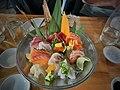 Deluxe sashimi platter 03.jpg