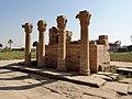 Dendera Römische Säulen 08.jpg