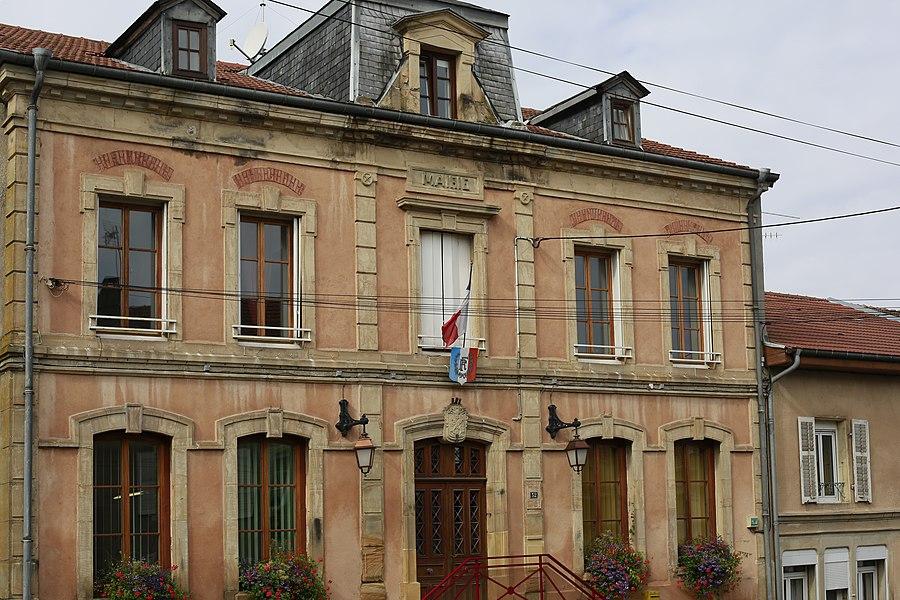 Mairie de Deneuvre.