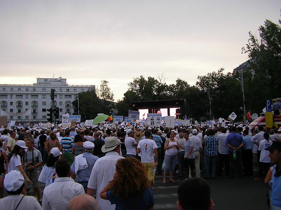 Discurs B%C4%83sescu 3, protest Pia%C5%A3a Revolu%C5%A3iei 26-7-12