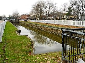 Chesapeake & Delaware Canal - Image: Dn C lock 2 Del City DE