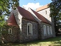 Dorfkirche Waltersdorf Nordostansicht.jpg