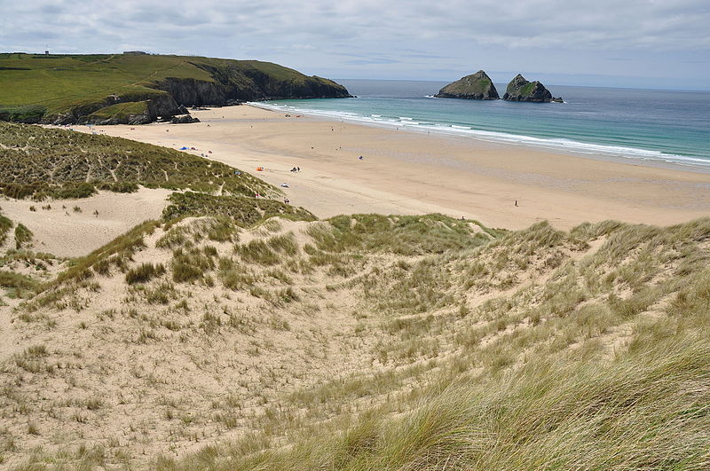File:Dunes at Holywell Bay (6124).jpg
