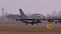 Податотека:Dutch F-16 operations at the Siauliai military base in Lithuania.webm