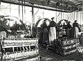 E. C. Dahls Bryggeri, Flaskeskylleriet E. C. Dahls Brewery, Bottle Cleaners (1902) (3411912263).jpg