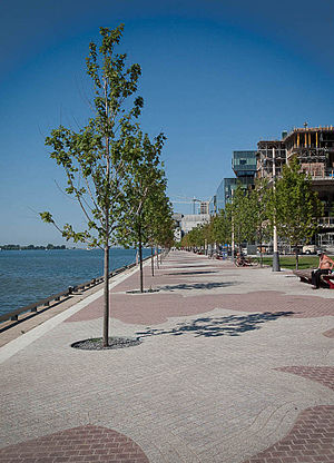 East Bayfront - Promenade along Lake Ontario, with Corus Quay and the new George Brown campus (under construction) in the distance