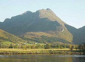 Eide - View of the mountain Stortussen