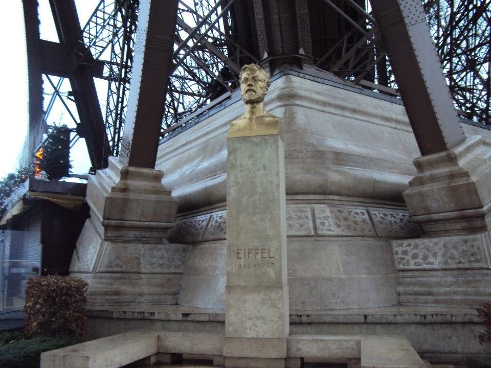 Eiffelova busta