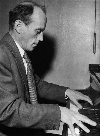 Einar Englund - Einar Englund at the piano (1957).