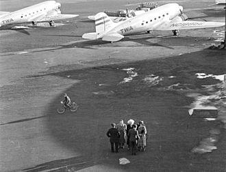 Newark Liberty International Airport - Albert Einstein at Newark Airport in April 1939.
