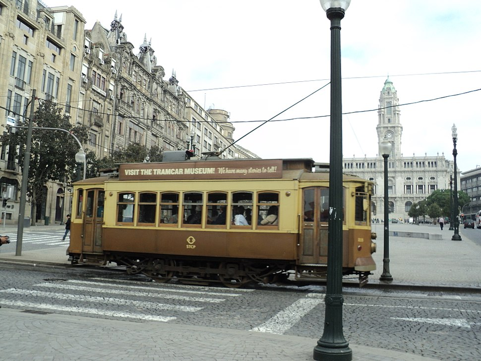 Electrico e Câmara do Porto (Av. dos Aliados)