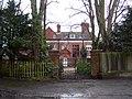 Elegant house on the A33 - geograph.org.uk - 1737789.jpg