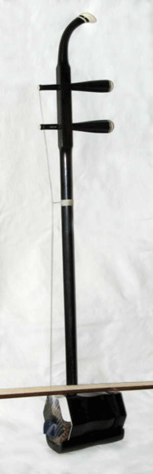 Huqin - Side view of an erhu, a common huqin