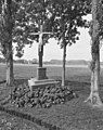 Exterieur wegkruis tegenover klooster - Berkel-Enschot - 20001208 - RCE.jpg