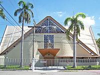 Fachada da Catedral São Sebastião após pintura, Coronel Fabriciano MG.JPG