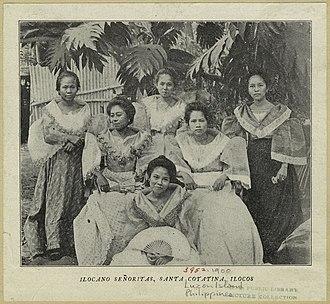 Ilocano people - Ilocano women from Santa Catalina, Ilocos Sur, c. 1900.