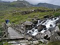 Footbridge, on path to Llyn Idwal - geograph.org.uk - 1411177.jpg