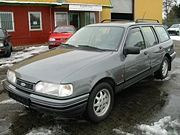 Ford Sierra Turnier 2,0i CLX, facelifotvaná verze od roku 1990