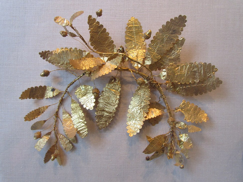 Fragment of a gold wreath
