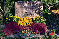 Friedhof Enzenbühl - Grab Margrit Rainer, Susanne Gallo-De Santi und Inigo Gallo 2015-11-06 15-56-23.JPG