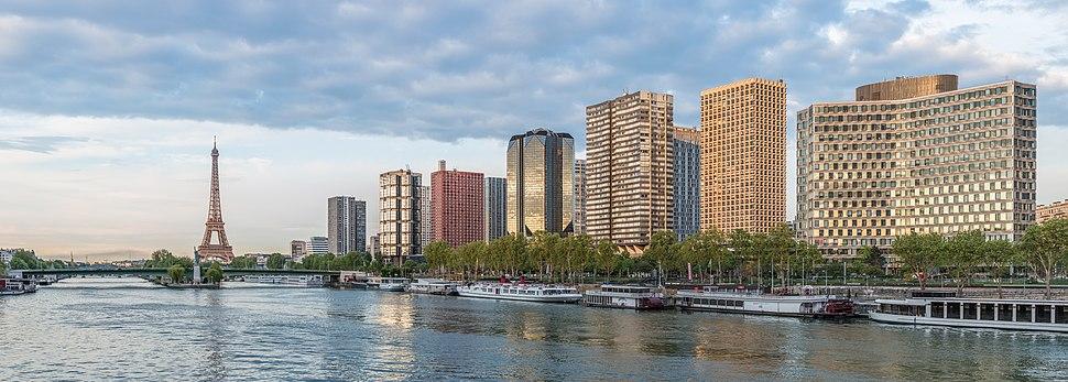 Front de Seine as seen from Pont Mirabeau, 22 April 2014